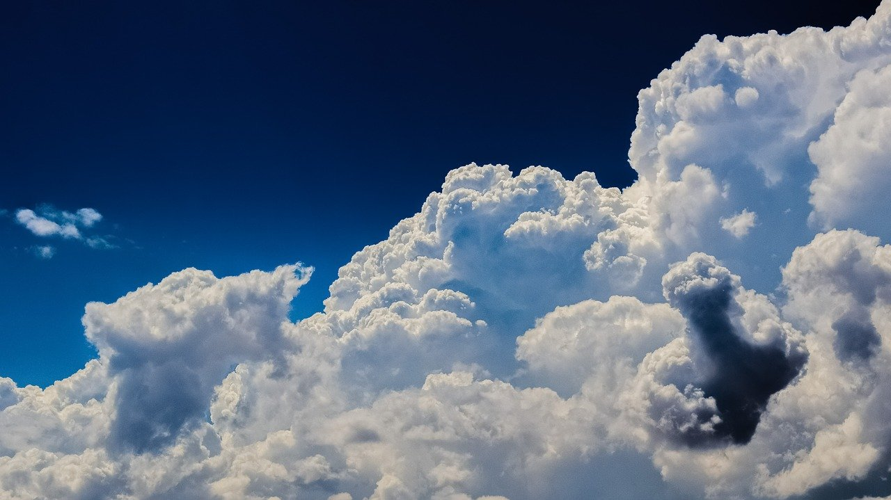 While progress toward cloud, UK public sector still mostly in hybrid environment